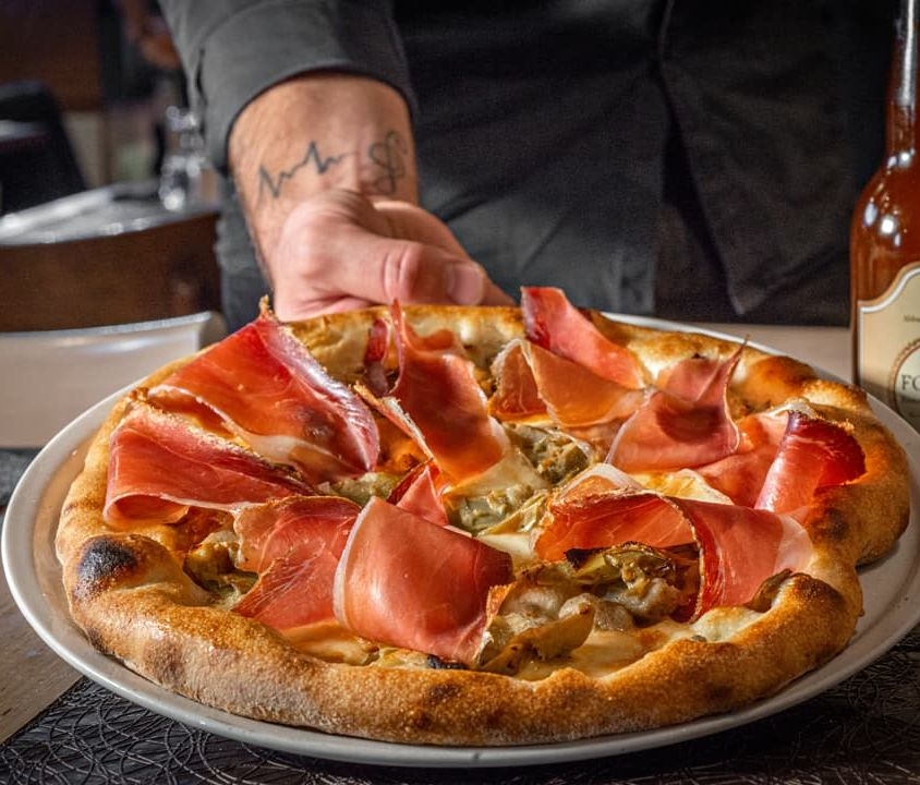 Pizza with Provola, Artichokes and Speck IGP Kofler